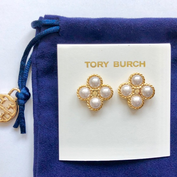 f2fddeb643f Tory Burch Rope Clover Pearl Stud Earrings NEW. M 5b5bd4ad34e48affeb046e1d